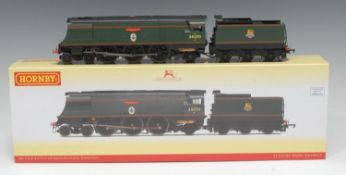 Hornby OO Gauge R3249 BR (early) Battle of Britain 'Manston' 4-6-2 steam locomotive and six wheel