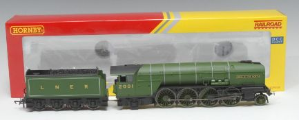 Hornby OO Gauge R3171 Class P2 2-8-2 'Cock O' The North' locomotive and eight wheel tender (DCC