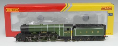 Hornby OO Gauge R3086 LNER Class A1 4-6-2 'Flying Scotsman' locomotive and eight wheel tender (DCC
