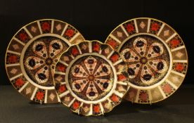 A Royal Crown Derby 1128 pattern shaped circular plate, 22cm, second quality; others, a pair of