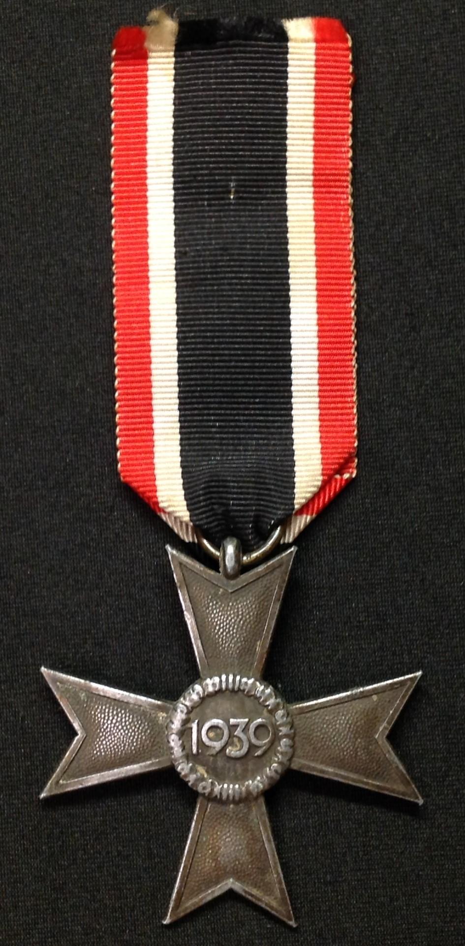 WW2 Third Reich Kriegsverdienstkreuz ohne Schwerten II klasse. War Merit Cross without Swords 2nd - Image 2 of 3