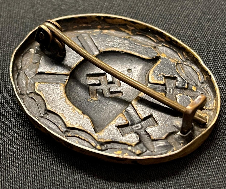 WW2 Third Reich Verwundetenabzeichen im Schwarz 1939 Wound Badge in Black 1939. Early example in - Image 3 of 4