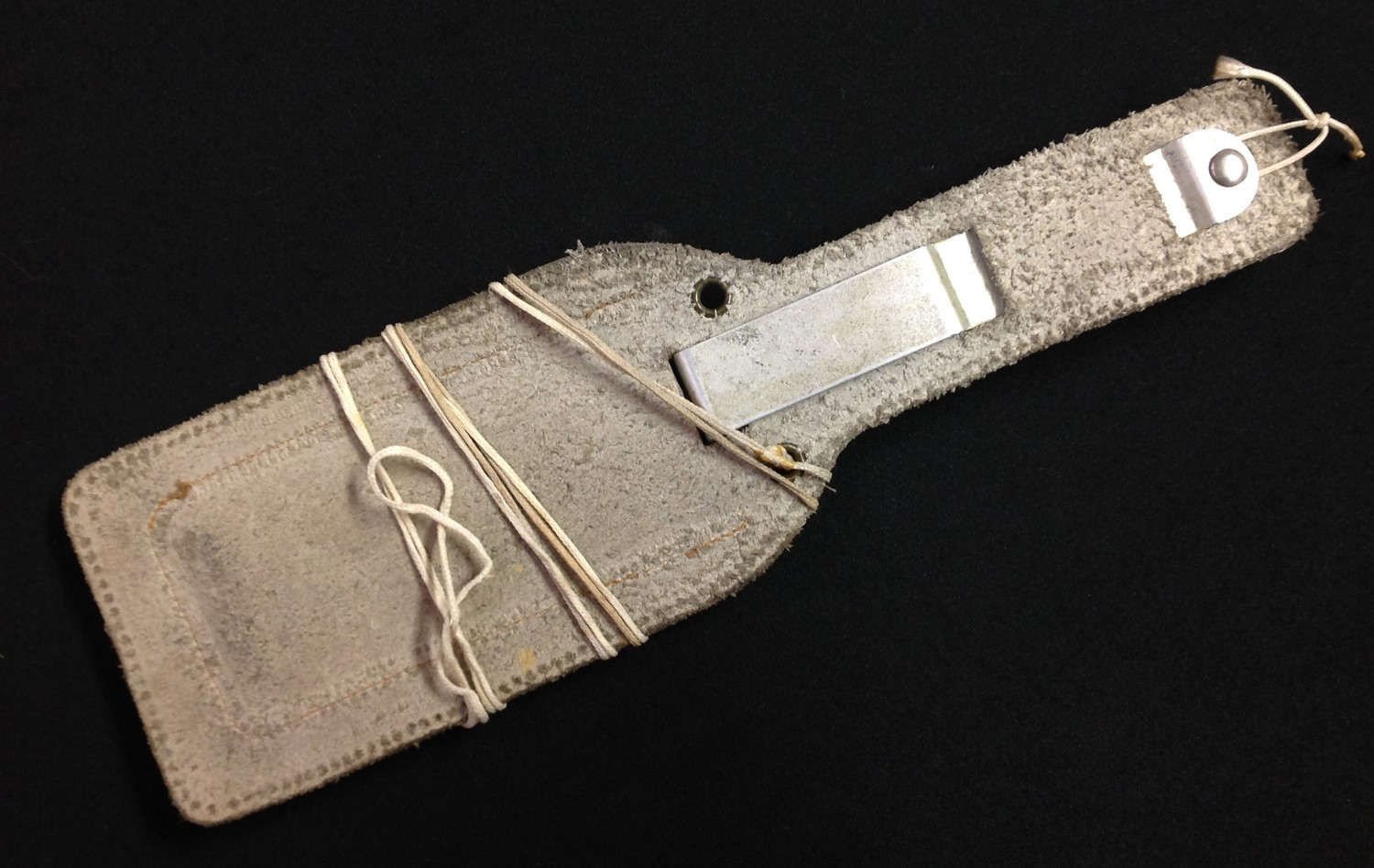 Post War British Joseph Rodgers Aircrew Emergency Knife with curved 100mm long single edged blade - Image 2 of 6