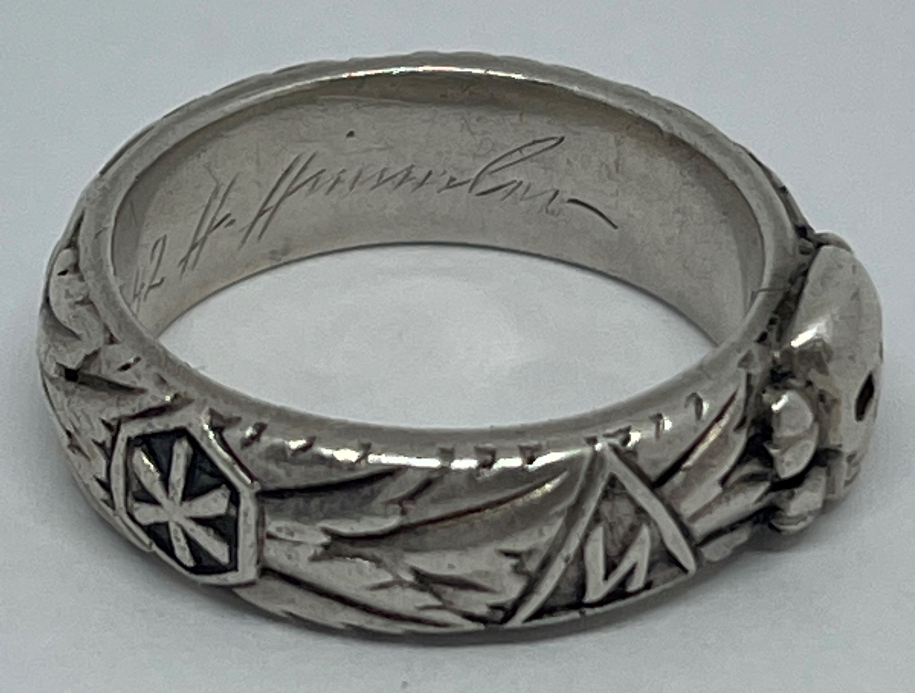 """WW2 Third Reich SS Ehrenring Totenkopf Honour Ring. Inscription engraved to the band """"Slb Rudolph - Image 4 of 5"""