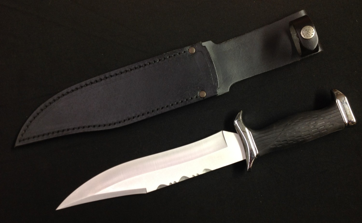 """Bowie Knife with 225mm long blade maker marked """"Nieto 440c Stainless Handcrafted, Spain"""". Width of - Image 3 of 11"""