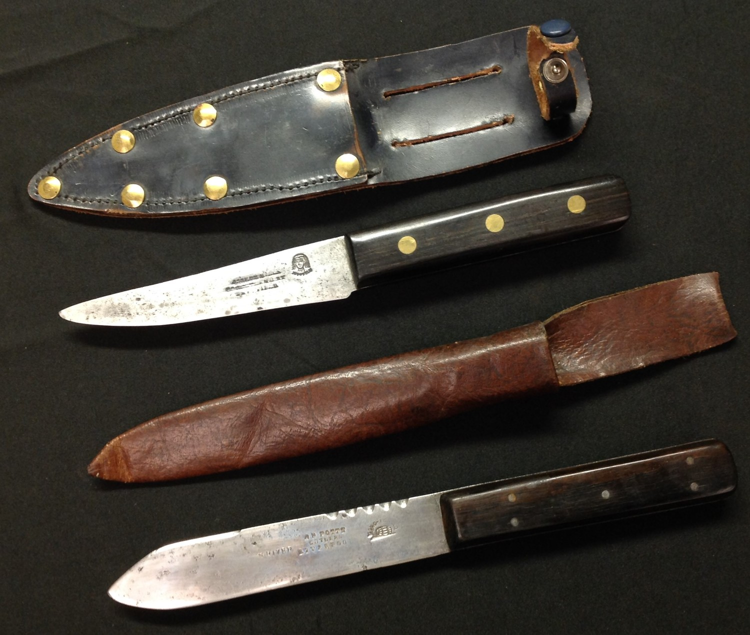 Two hunting knives: one with single edged blade 115mm in length, Sheffield maker marked, wooden - Image 3 of 7