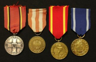 WW2 Polish Campaign Medal collection comprising of : Warsaw Medal: Oder-Nyes-Baltic Medal: Berlin