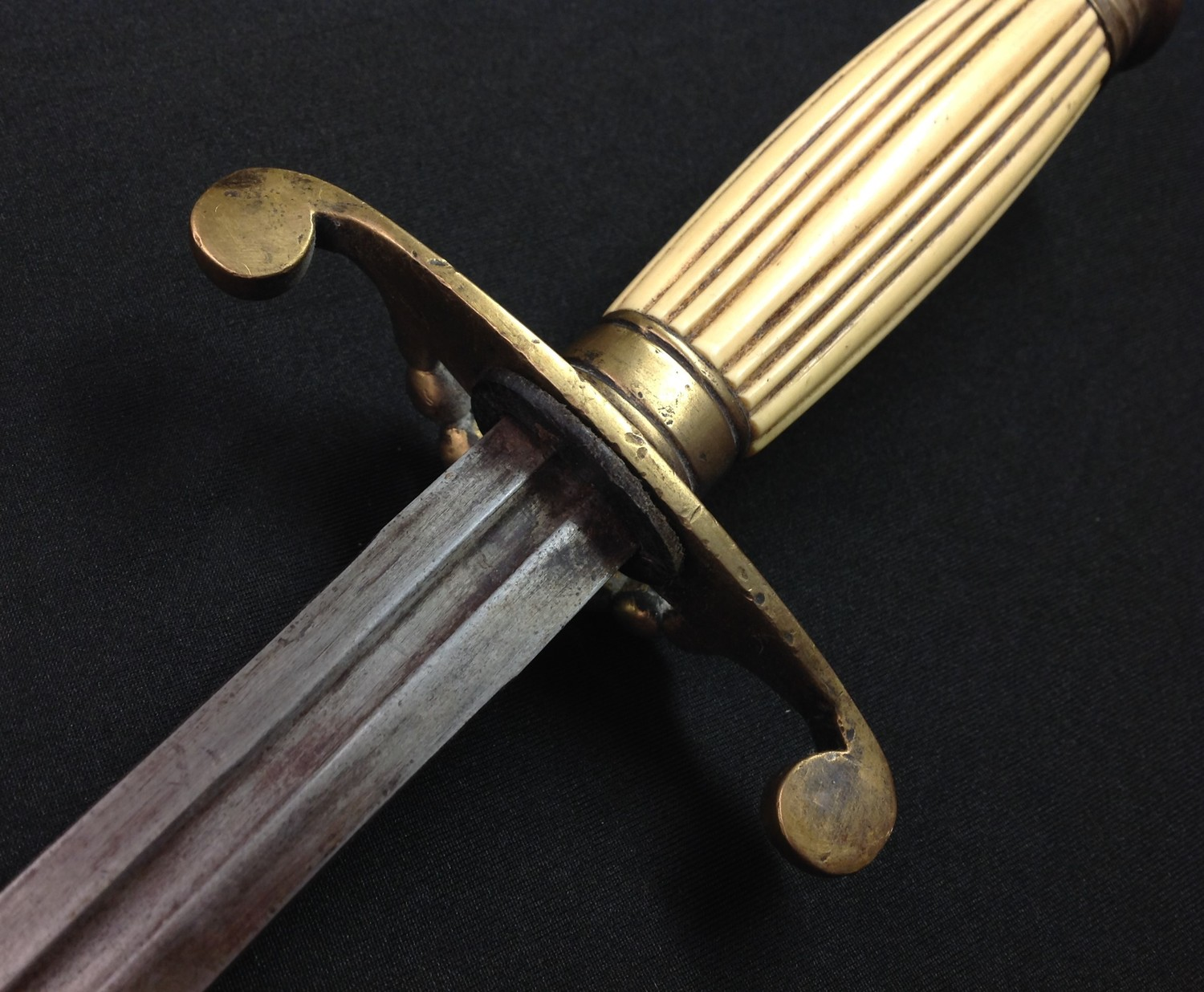 REPRODUCTION Georgian era Royal Navy Dirk with double edged fullered blade 350mm in length. - Image 10 of 11