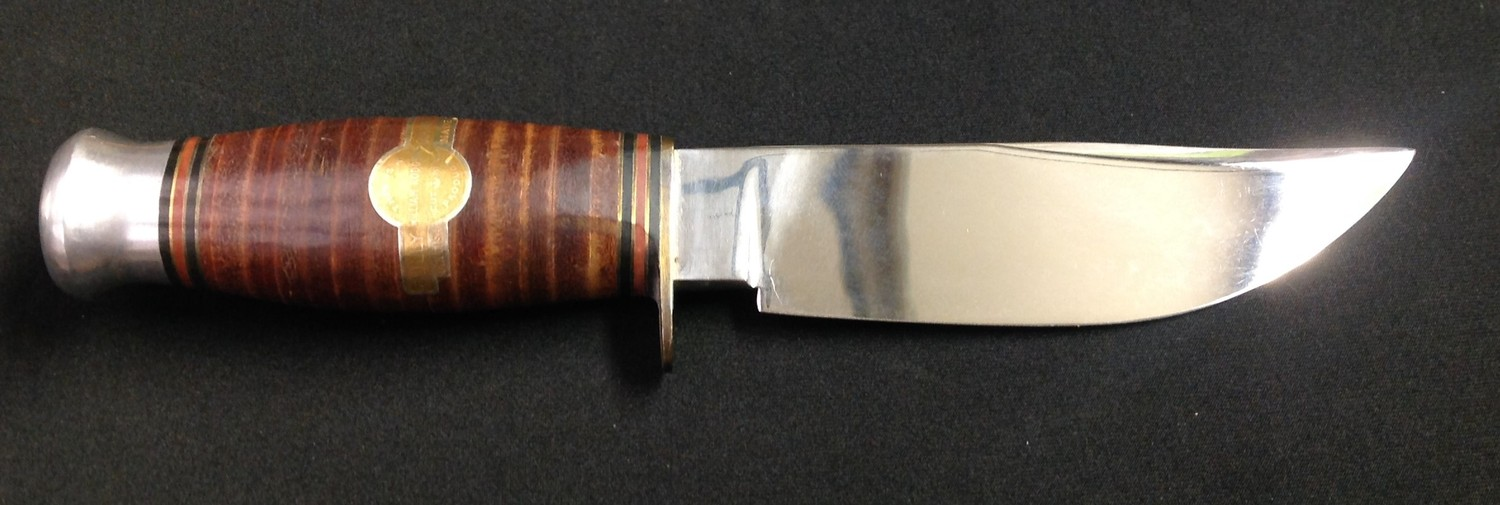 """Survival/Hunting Knife with 120mm long Bowie style blade with etched """"I Cut My Way, William Rodgers, - Image 4 of 9"""