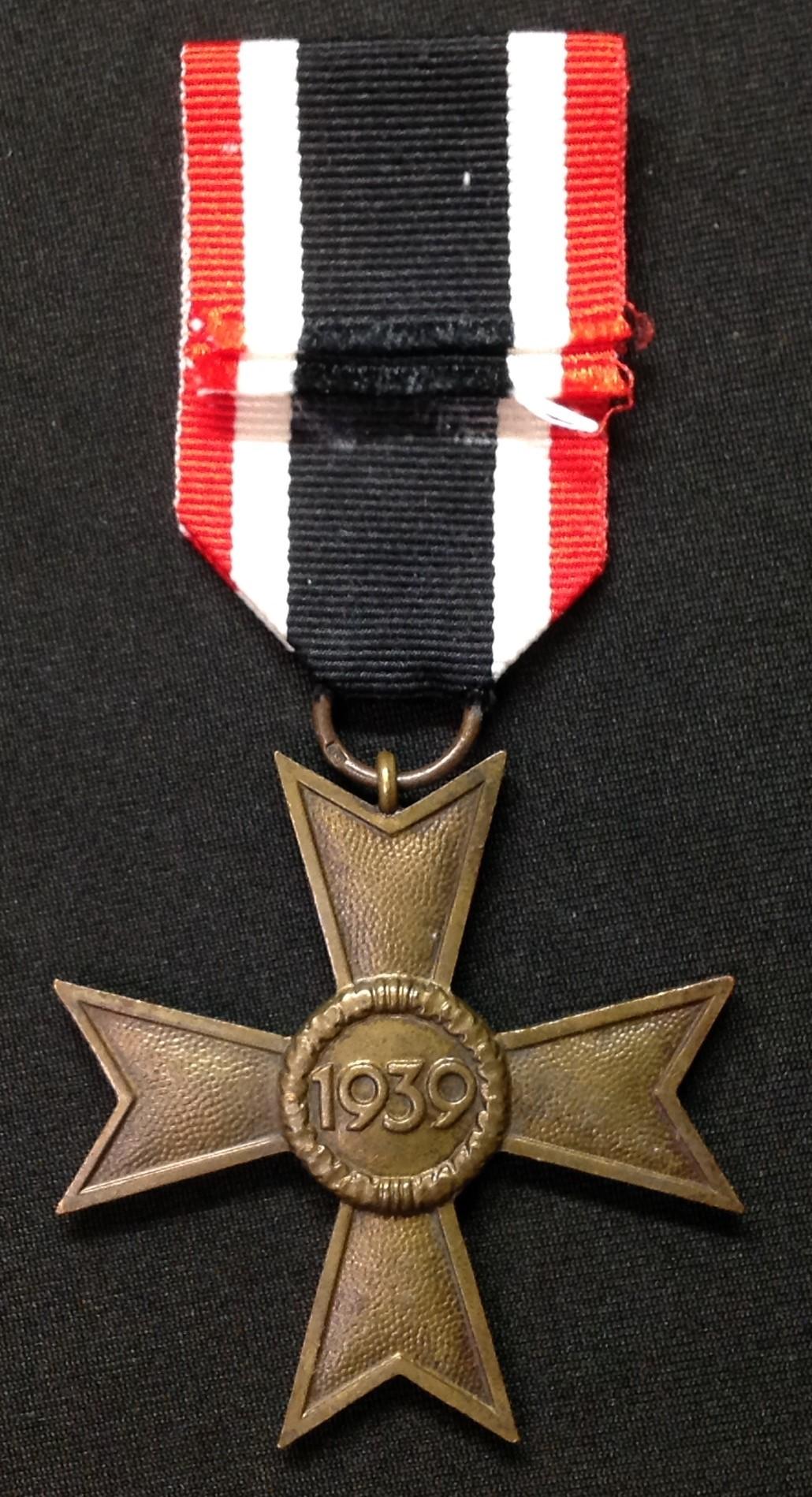 WW2 Third Reich Kriegsverdienstkreuz ohne Schwerten II klasse. War Merit Cross without Swords 2nd - Image 2 of 4