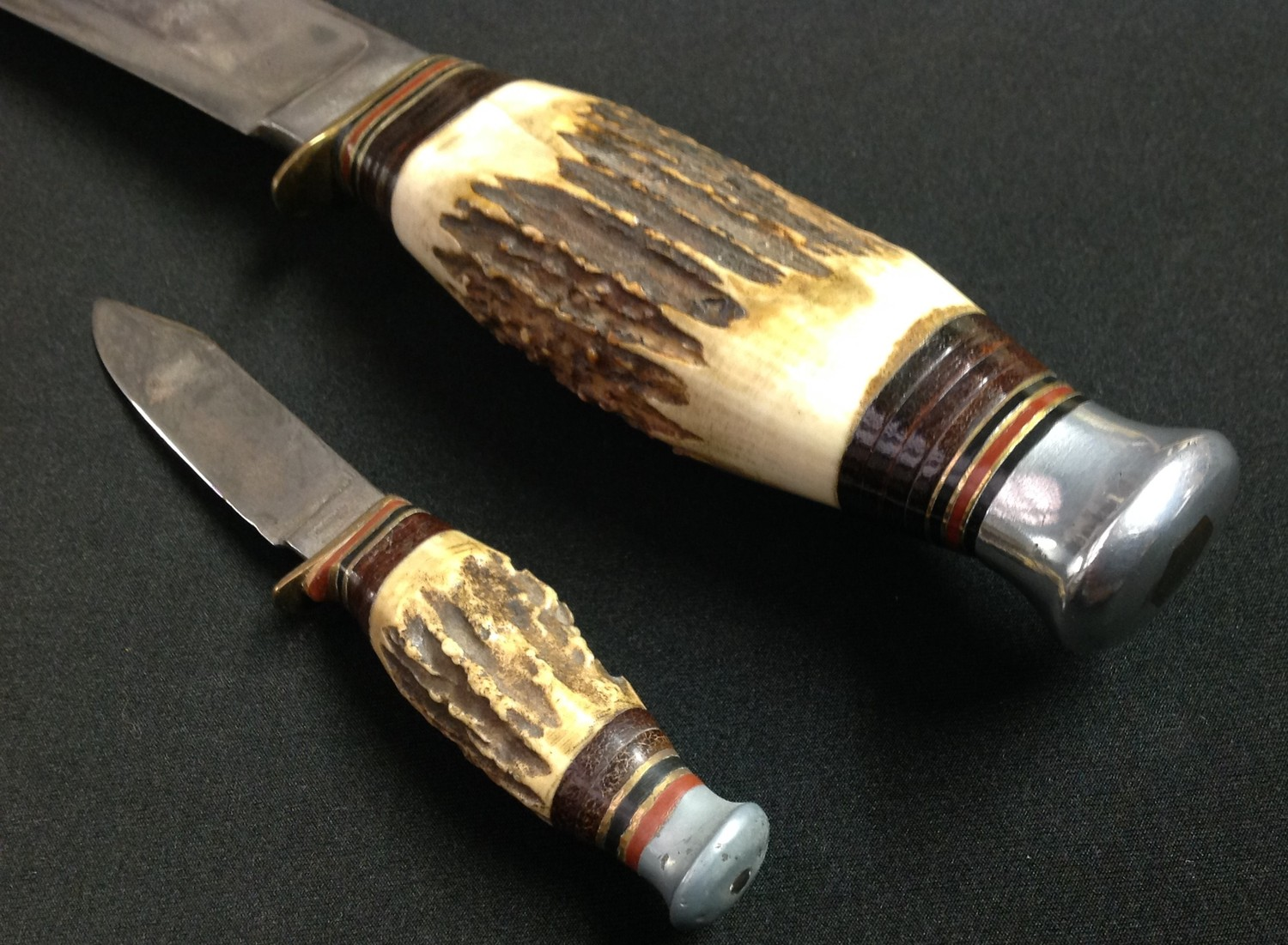 """Hunting Knife with Bowie style blade with fuller 199mm in length maker marked """"William Rodgers I Cut - Image 5 of 5"""
