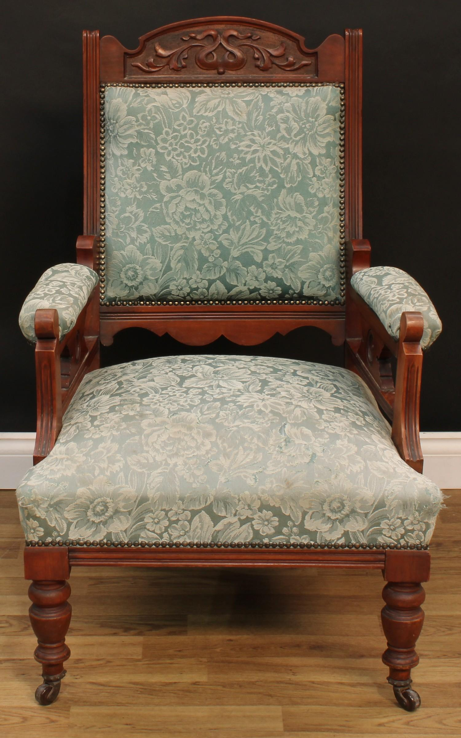 A late Victorian Eastlake design seven piece drawing room suite, comprising chaise longue, 77cm - Image 6 of 9