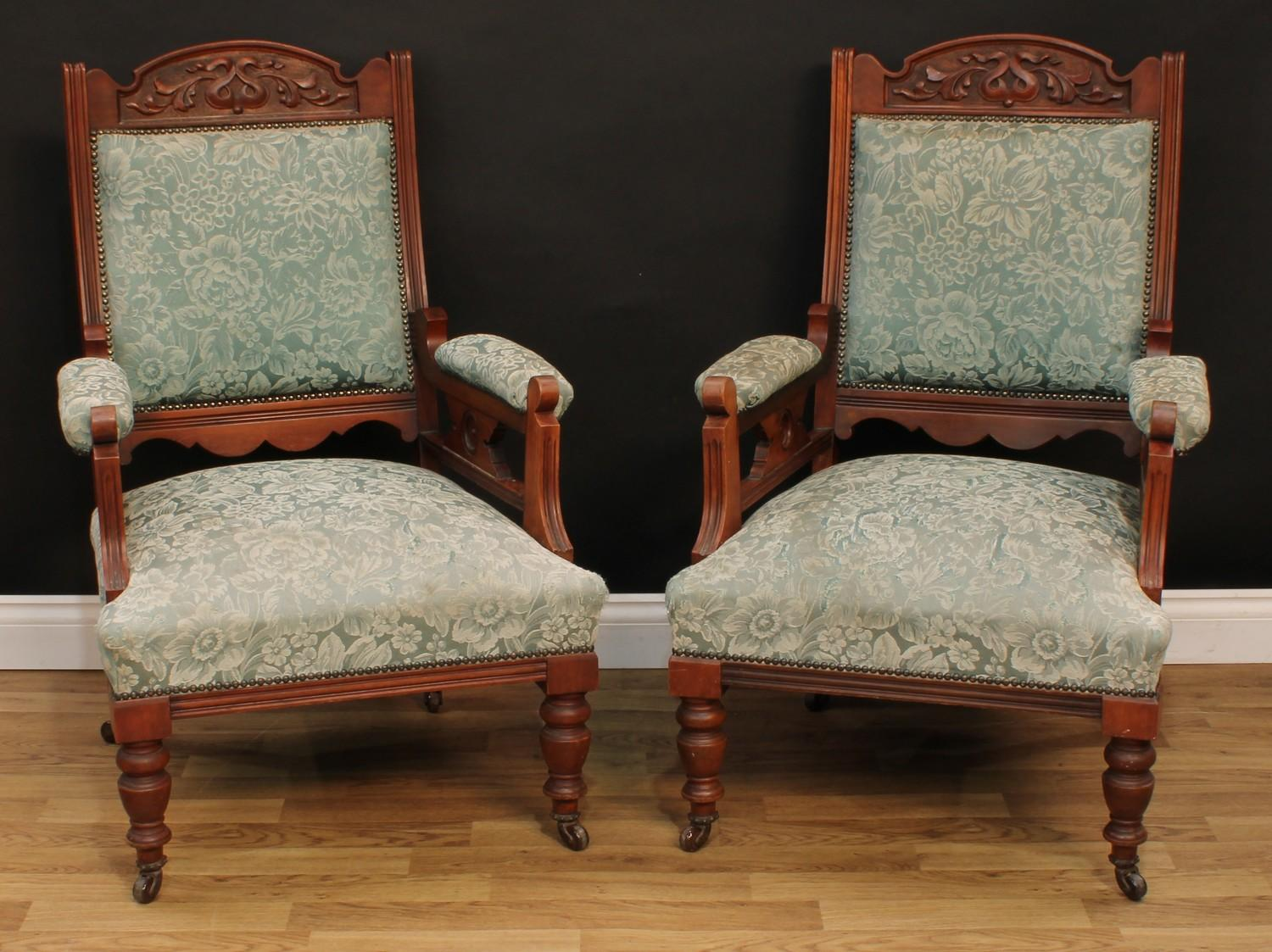 A late Victorian Eastlake design seven piece drawing room suite, comprising chaise longue, 77cm - Image 4 of 9