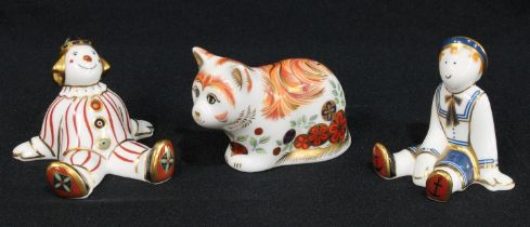 A Royal Crown Derby paperweight, Spice Collector's Guild Kitten, gold stopper; two Treasures of