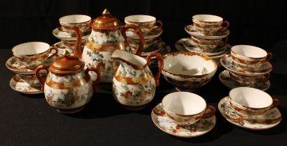 A Japanese export ware Kutani type tea set, comprehensive, early 20th century (39)