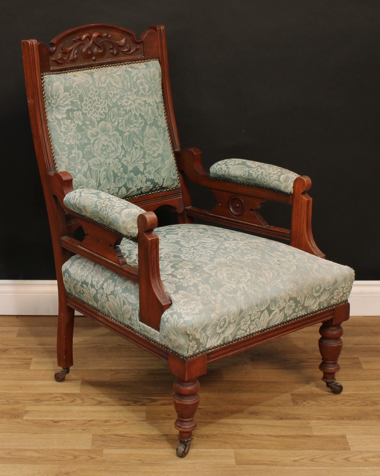 A late Victorian Eastlake design seven piece drawing room suite, comprising chaise longue, 77cm - Image 5 of 9