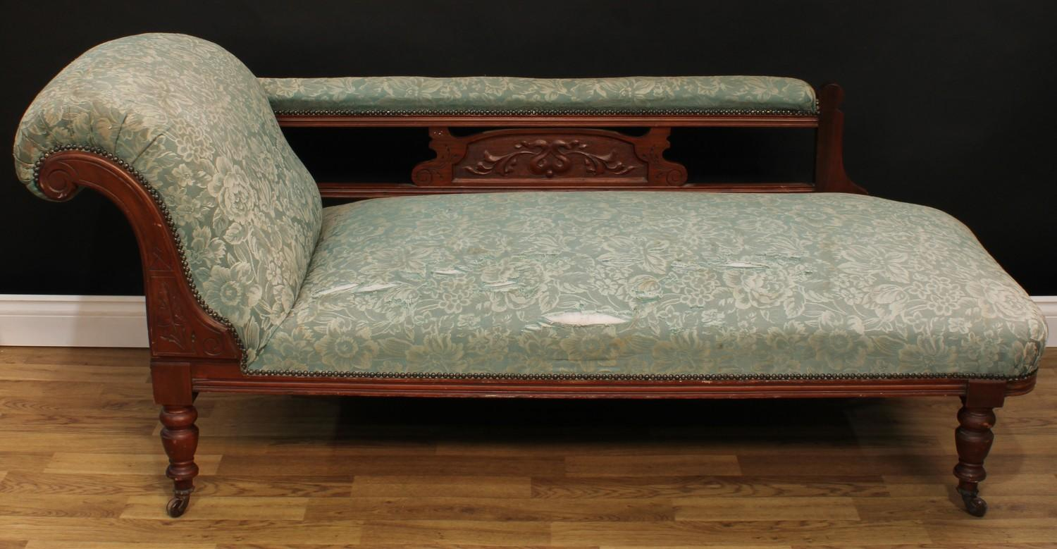 A late Victorian Eastlake design seven piece drawing room suite, comprising chaise longue, 77cm - Image 2 of 9