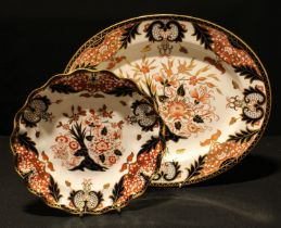 A Royal Crown Derby Imari palette 383 pattern oval serving platter, 33cm, second; a 383 pattern