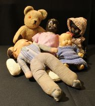 Toys - a collection of dolls and teddy bears (5)
