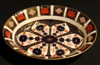 A Royal Crown Derby Imari palette 1128 pattern oval serving dish, 26cm wide, printed marks, second