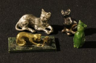 A Fininsh miniature brass model of a cat and mouse, 6cm wide; a jadeite miniature cat, 4cm; two