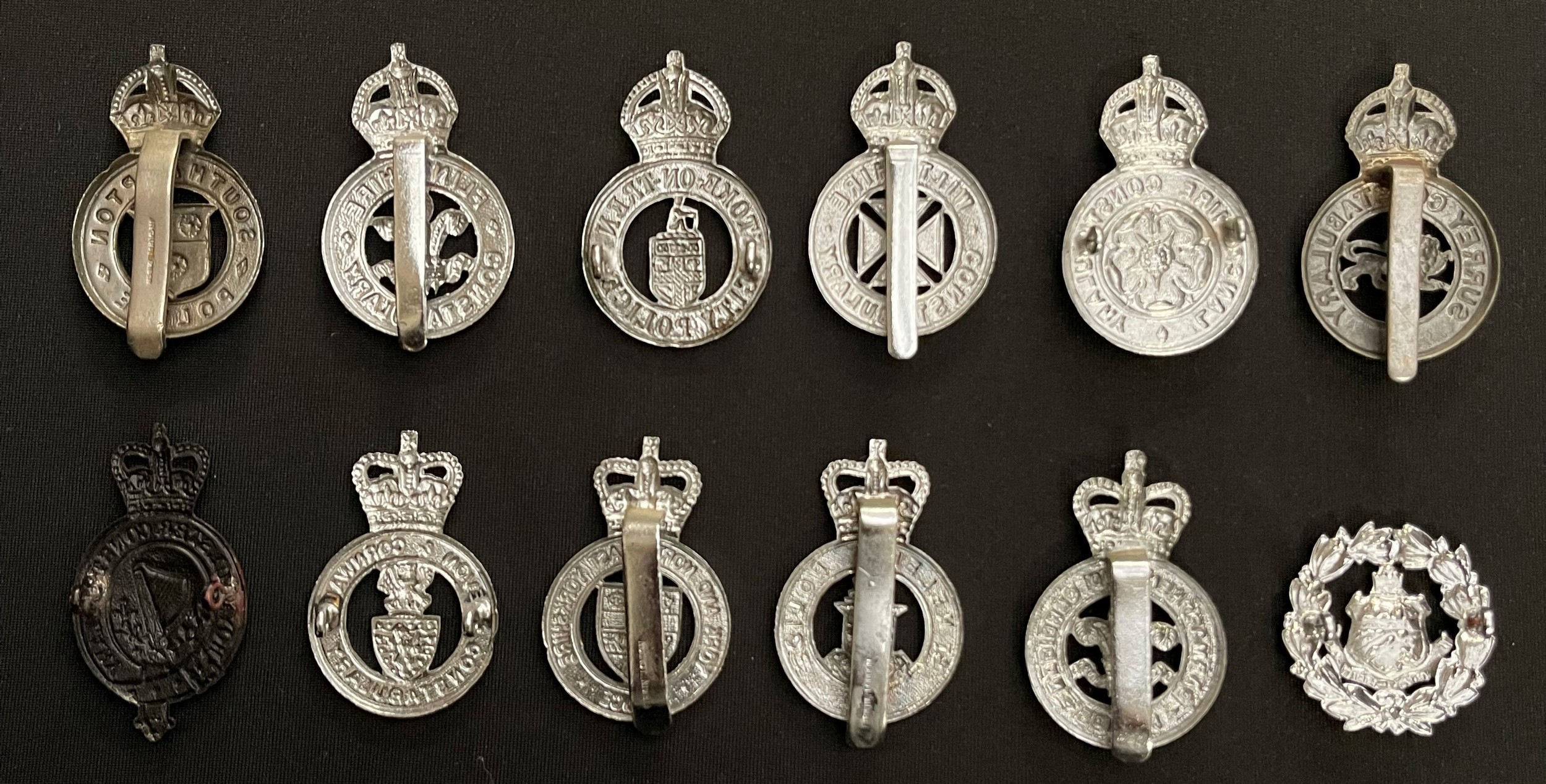 A collection of British Kings Crown and Queens Crown Police Cap badges to include: Kings Crown Stoke - Image 2 of 2