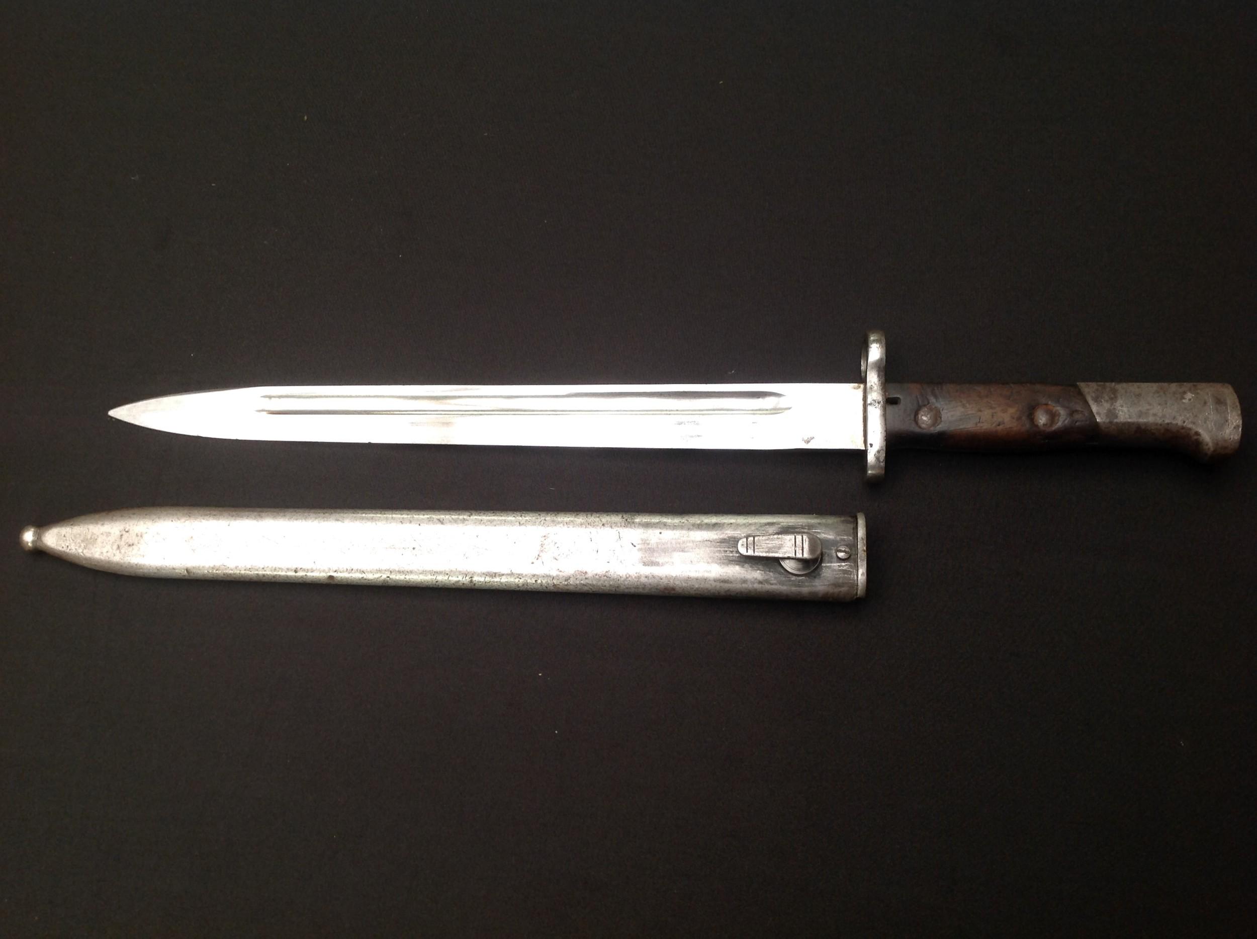 British 1888 pattern Lee-Metford bayonet by Wilkinson, London, 30.5cm blade marked 3 02, two-piece - Image 3 of 18