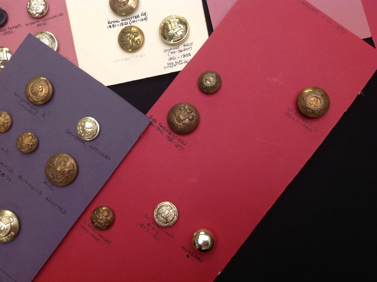 A collection of British Army Regimental and Corps buttons (Plus some Royal Navy & Royal Air Force) - Image 5 of 5