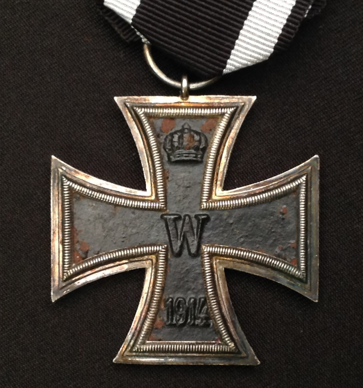 WW1 Imperial German Eisernes Kreuz 2. Klasse. Iron Cross 2nd Class. Complete with a replacement