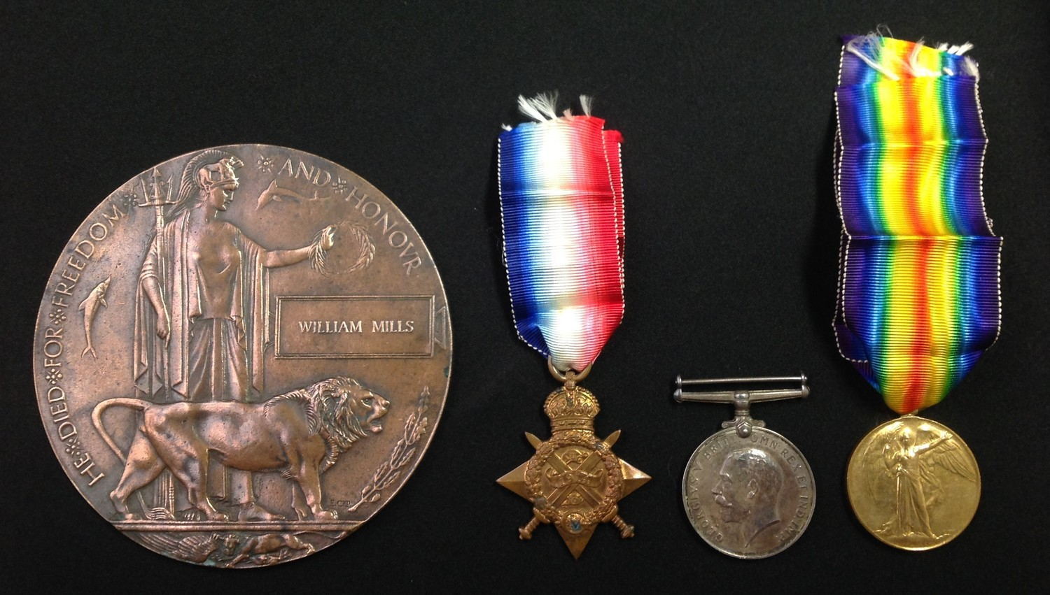 WW1 British 1914 Star, War Medal and Victory Medal & Death plaque to 8255 Pte William Mills,