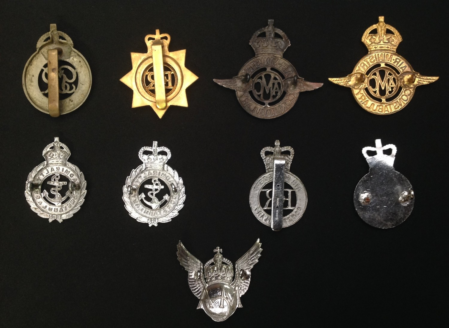 A collection of Military Police Cap badges: Kings Crown War Dept Constabulary GR VI: Queens Crown - Image 2 of 2