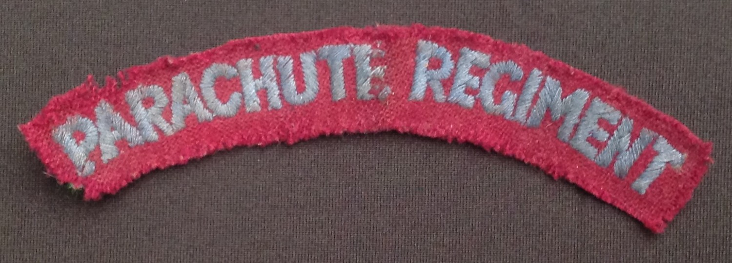 WW2 and later British Cap badges and cloth insignia to include: Kings Crown Parachute Regiment cap - Image 4 of 4