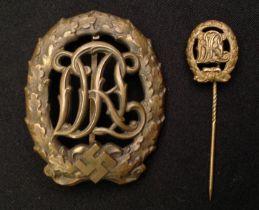 """WW2 Third Reich DRL Sportabzeichen in Bronze - National Sports Badge in Bronze. Maker marked """""""
