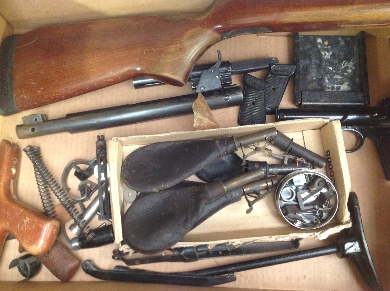 Crossman American Classic Model 1377 .177cal Pump Up Action Air Pistol. Serial number 878221688. - Image 7 of 7