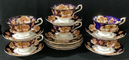 A Royal Albert Heirloom pattern tea set for six, comprising cups, saucers and tea plates