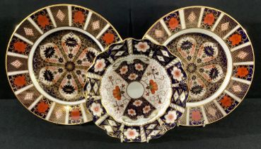 A pair of Royal Crown Derby 1128 pattern dinner plates, first quality; another shaped circular