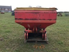 1994 kuhn MDS 921 fertilizer spreader, twin disc cover