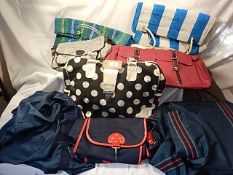 A collection of 8 various bags - beach style/holdall style and shopping