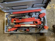 Sealey Super Snap 10t hydraulic body frame repair kit 10 tonne hydraulic body repair kit. The kit is
