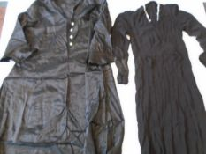 A collection of early 20th Century/1920/30s mourning clothes - Two black dresses, one with small
