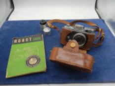 Robot 2A camera with case and manual