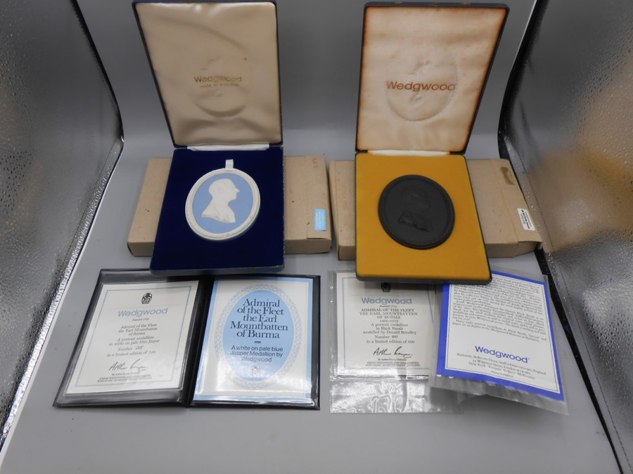 Cased Wedgwood Portrait Medallions Lord Byron no 259 of 500 , Lord Denning no 87 of 500 , Earl