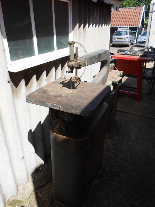 Vintage Scroll Saw ( removed from deceased estate , mains lead cut off at motor, will need - Image 3 of 4