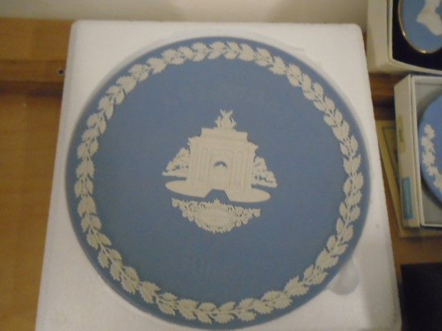 Wedgewood Jasperware collection all boxed some with certs, plus black bassalt medallion of HRH - Image 2 of 7