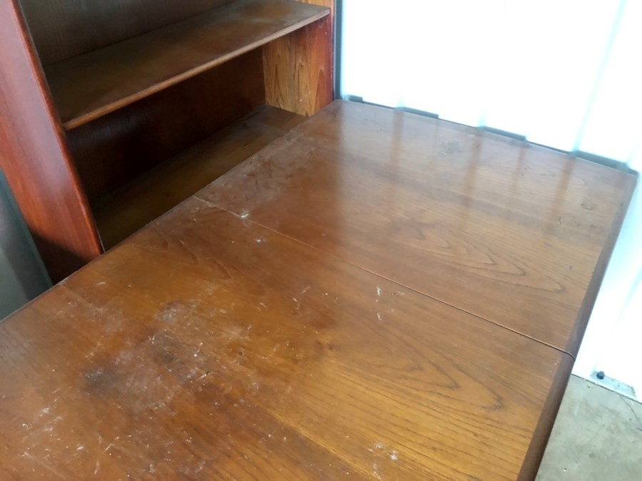G Plan extending dining table and 3 chair frames ( table and chairs all have loose joints so in need - Image 3 of 4