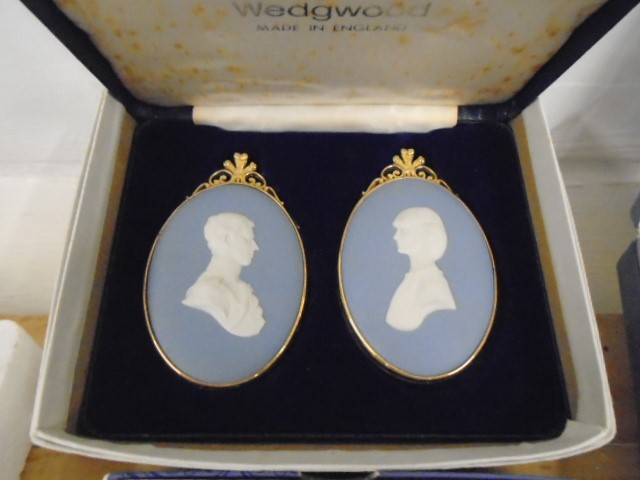 Wedgewood Jasperware collection all boxed some with certs, plus black bassalt medallion of HRH - Image 6 of 7