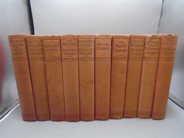 A. Conan Doyle- Authors edition 11 volumes illustrated in red cloth John Murry 1903 - Image 3 of 5