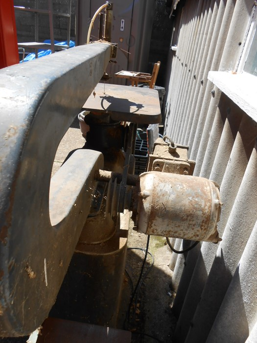 Vintage Scroll Saw ( removed from deceased estate , mains lead cut off at motor, will need - Image 4 of 4