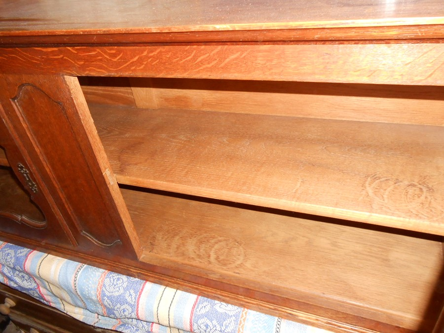Oak 2 Door Cabinet with glazed doors and one key 146 cm wide 34 deep 55 cm tall - Image 3 of 3