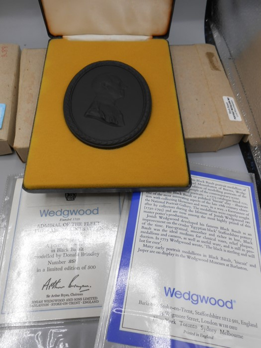 Cased Wedgwood Portrait Medallions Lord Byron no 259 of 500 , Lord Denning no 87 of 500 , Earl - Image 3 of 7